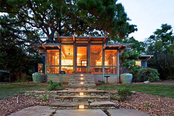 Treehouse Porch in Texas, USA. Image via John Grable Architects