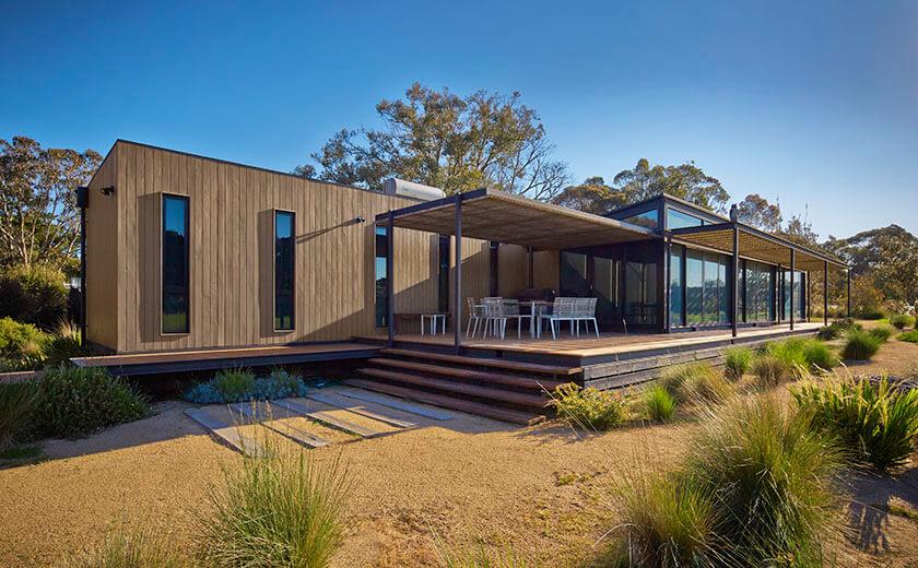 Holiday prefab home in merricks beach modscape modern for Modular home designs australia