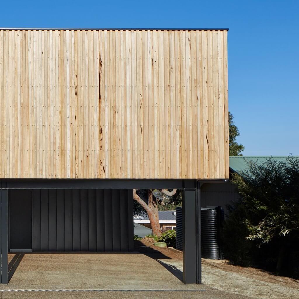 Using silvertop ash timber in modular homes